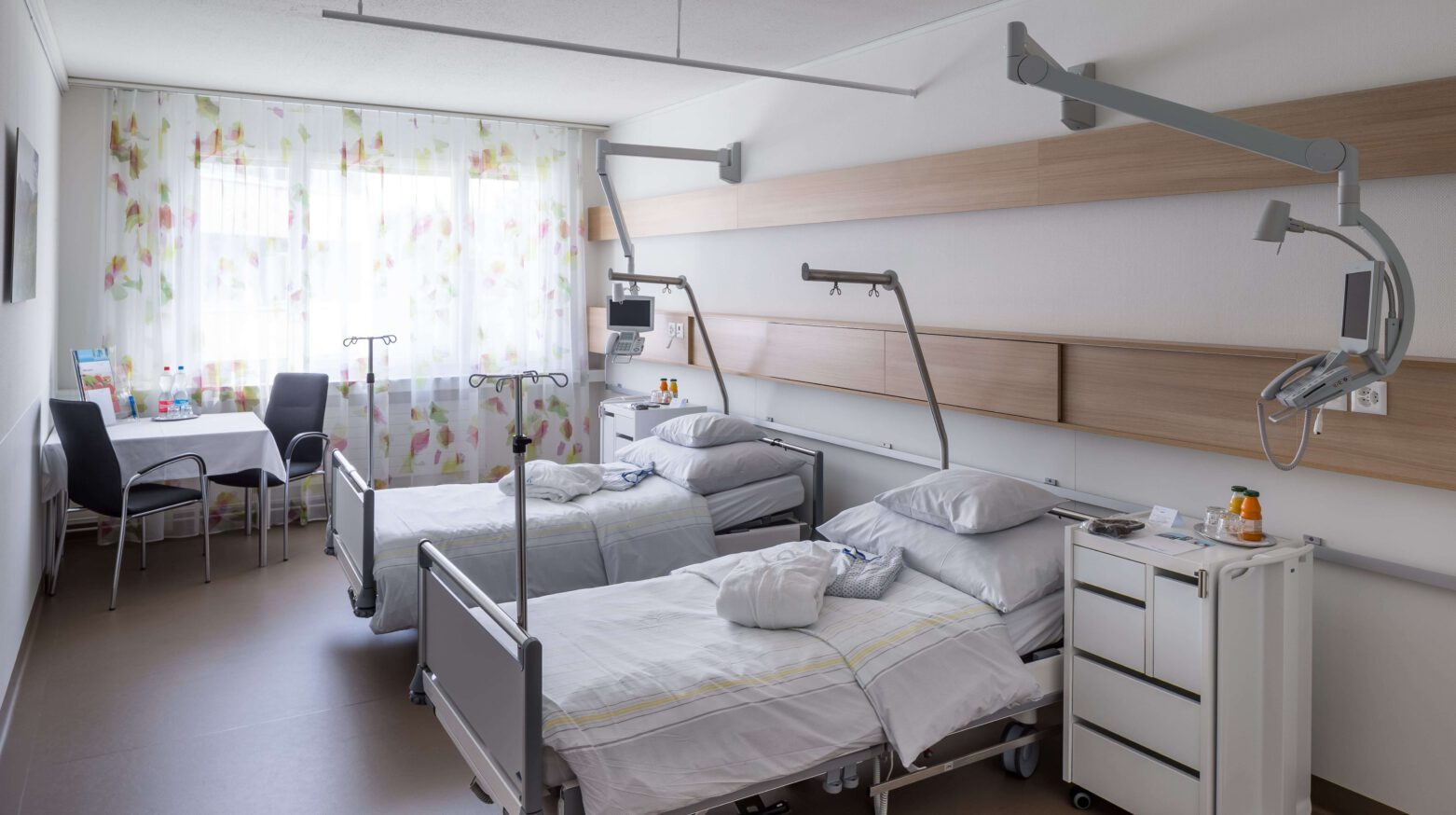 Bettentrakt Spital Lachen 04